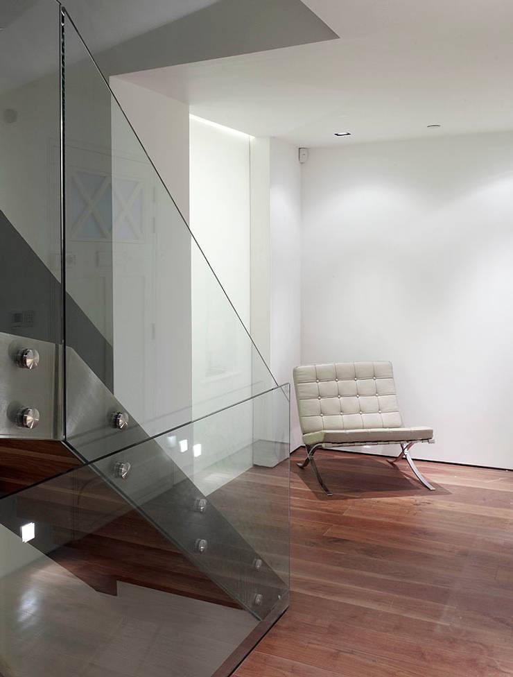 Sheen Lane, Ground Floor:  Corridor & hallway by BLA Architects