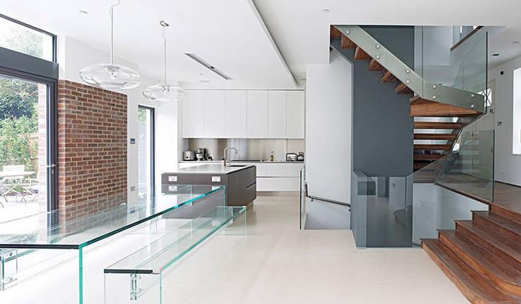 Cozinhas modernas por BLA Architects