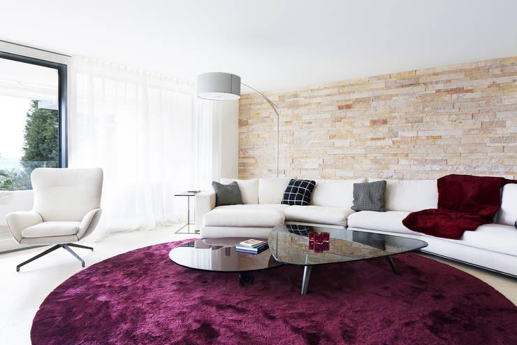Living room by Förstl Naturstein
