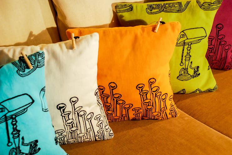 Chouchette – Cushions illustrated exclusively for Chouchette by artists Gabriela Vainsencher and Cristobal Dam :  tarz Ev İçi