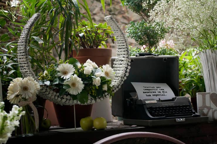Decoración Boda civil: Paisajismo de interiores de estilo  de CRIS CAMBA Estudio floral.