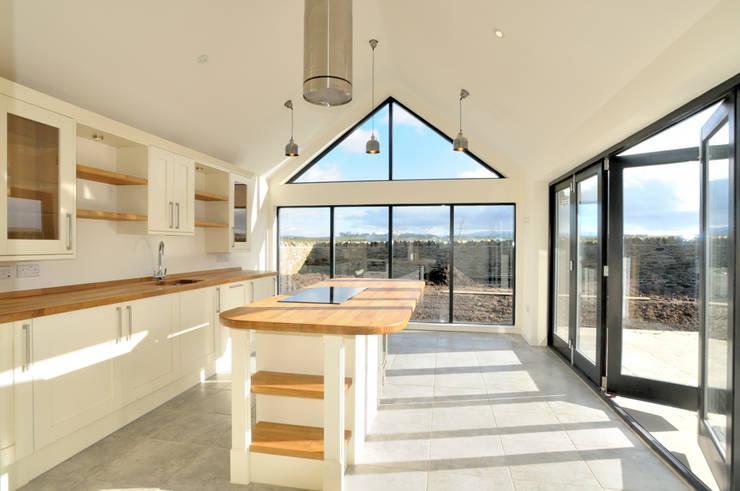 Birgham Haugh Kitchen Sun Room:  Kitchen by Aitken Turnbull Architects