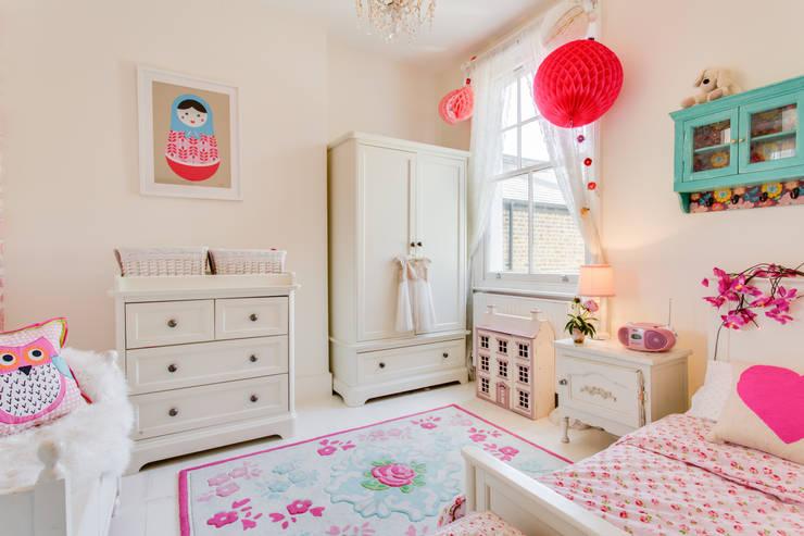 Queens Park House: eclectic Bedroom by Honeybee Interiors