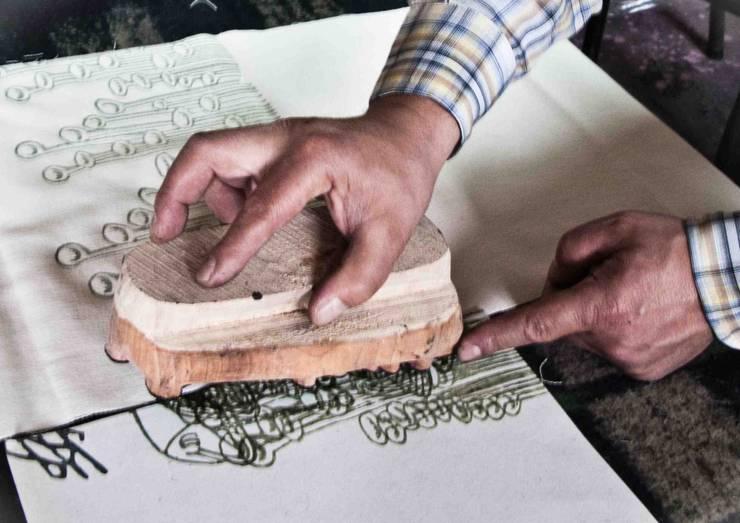 Chouchette – Chouchette Work in Progress- Wood block printing:  tarz Ev İçi