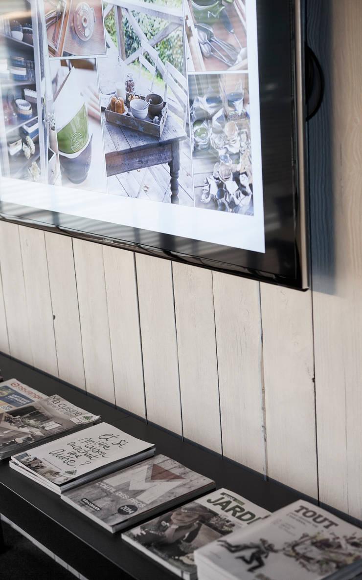 Détail : Bureaux de style  par GUILLAUME DA SILVA ARCHITECTURE INTERIEURE