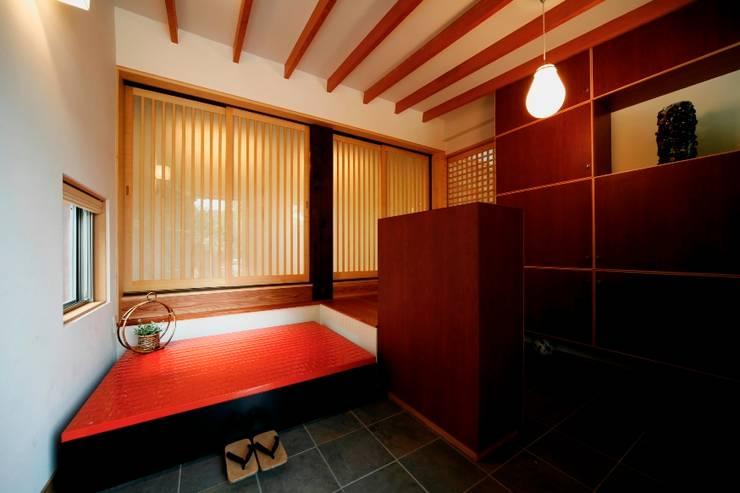 伝統木造のN邸: 建築設計事務所 山田屋が手掛けた壁です。