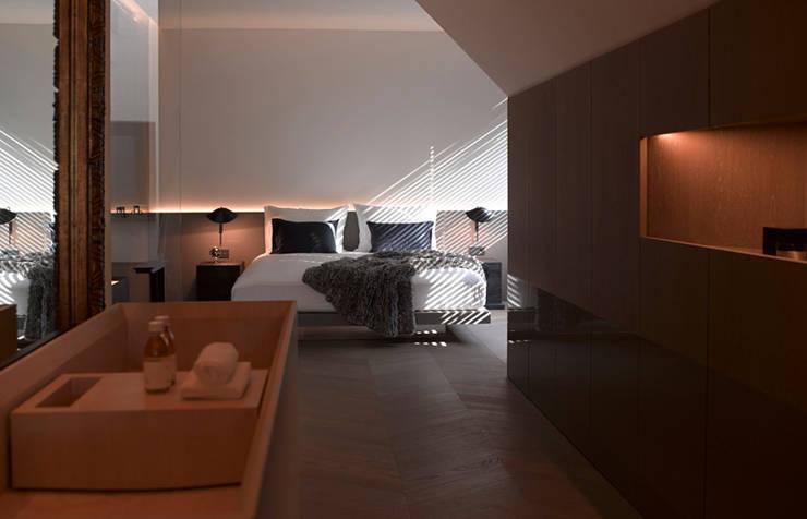 Dachgeschossausbau 2014:  Schlafzimmer von Bernd Gruber Kitzbühel