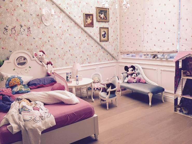 Dom 450 m 2 Dziekanów leśny: styl , w kategorii Sypialnia zaprojektowany przez livinghome wnętrza Katarzyna Sybilska
