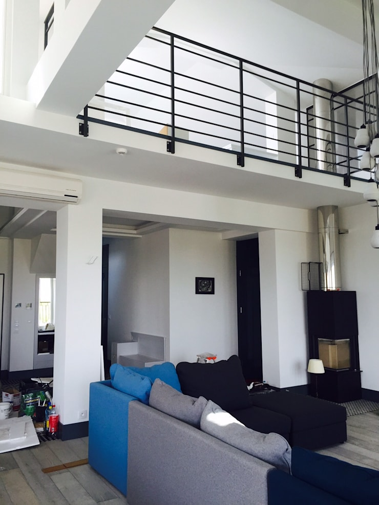 apartament Mokotów Warszawa dwa poziomy 150 m 2: styl , w kategorii Salon zaprojektowany przez livinghome wnętrza Katarzyna Sybilska,Industrialny