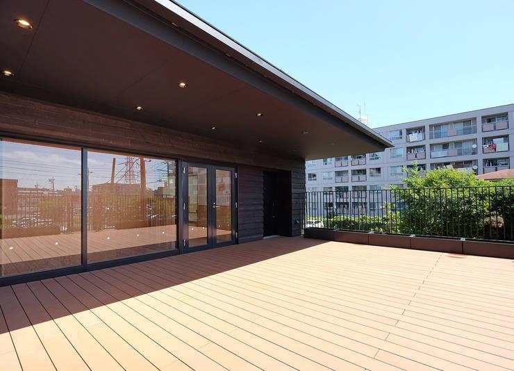 屋上庭園のある保育園(屋上庭園): ユニップデザイン株式会社 一級建築士事務所が手掛けた学校です。