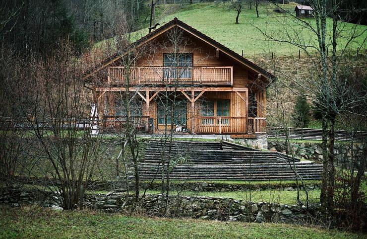 Casas campestres por Thoma Holz GmbH
