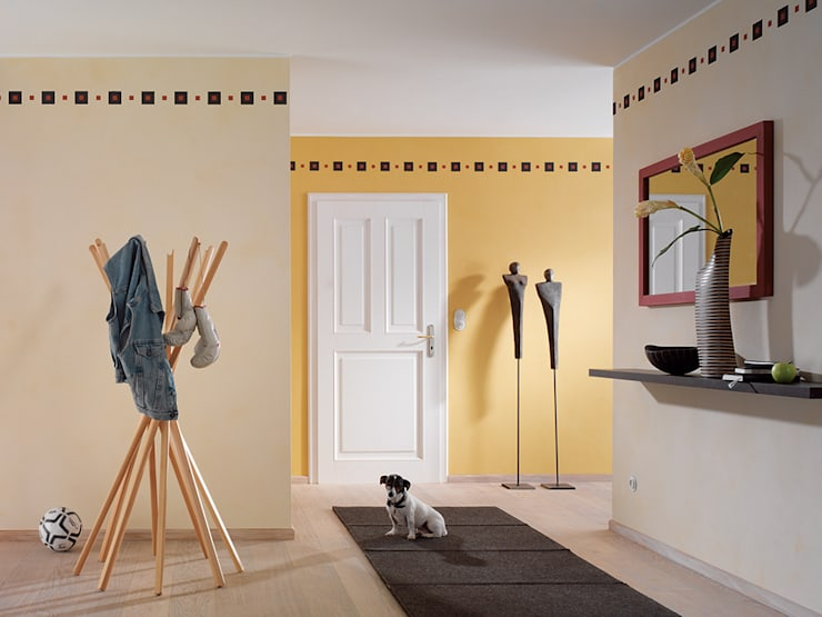 Raumbeispiele gestaltet mit Lehmspachtelputz oder Lehmfarben von Lesando:  Flur & Diele von Schmiedhaus - Ökologische Baustoffhandel - Lehmputz u.v.m.