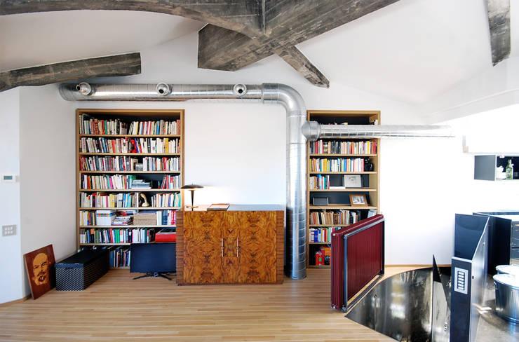 moderne Studeerkamer/kantoor door andrea borri architetti