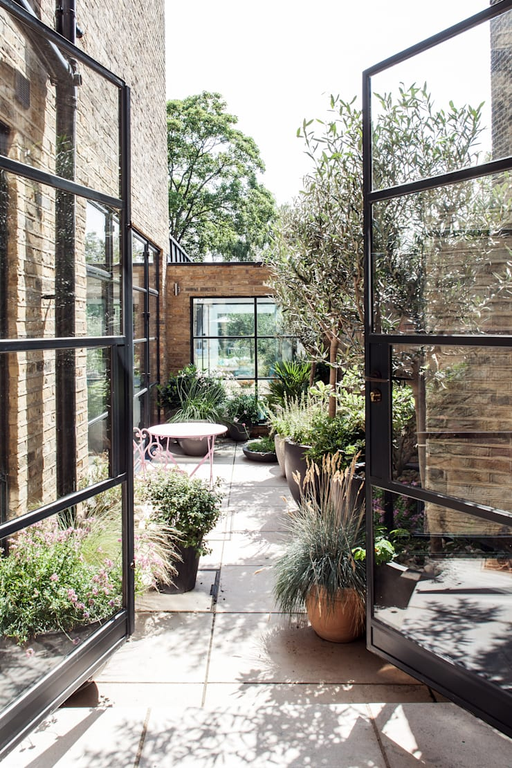 Friern Road, London:  Terrace by Red Squirrel Architects Ltd