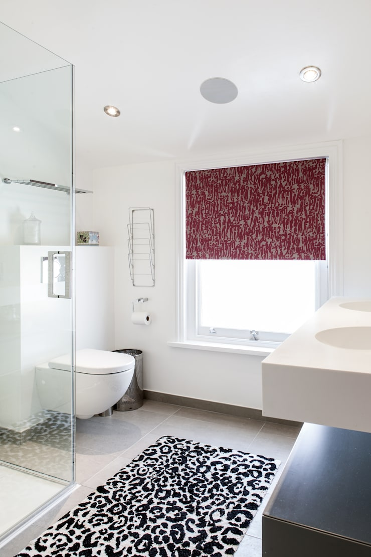 Friern Road, London:  Bathroom by Red Squirrel Architects Ltd