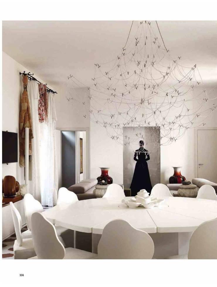 Dalla Palma pg.3: Sala da pranzo in stile  di Mobilificio Marchese,