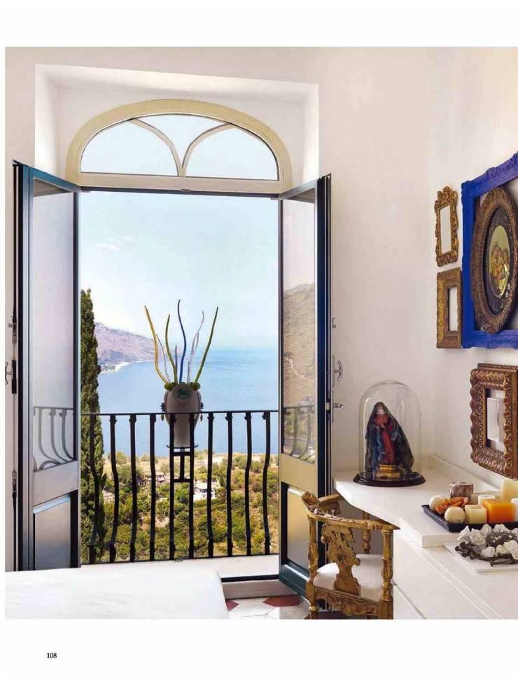 Dalla Palma pg.7: Camera da letto in stile  di Mobilificio Marchese,