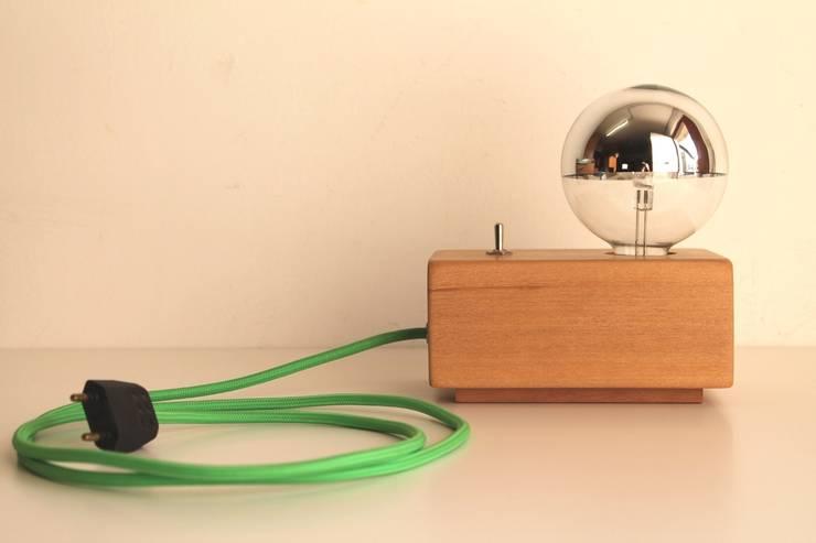 Jet Lamp Chrome:  in stile  di altraforma360, Minimalista