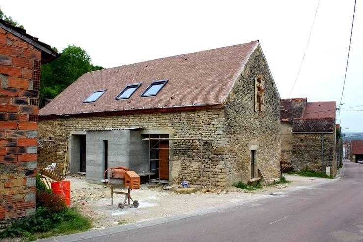 Façade de la Maison: Maisons de style  par 3B Architecture