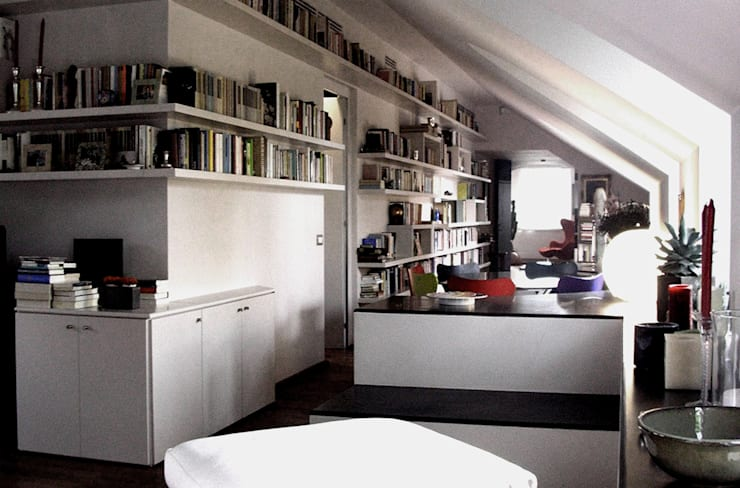 porta nuova: Soggiorno in stile  di andrea borri architetti, Moderno