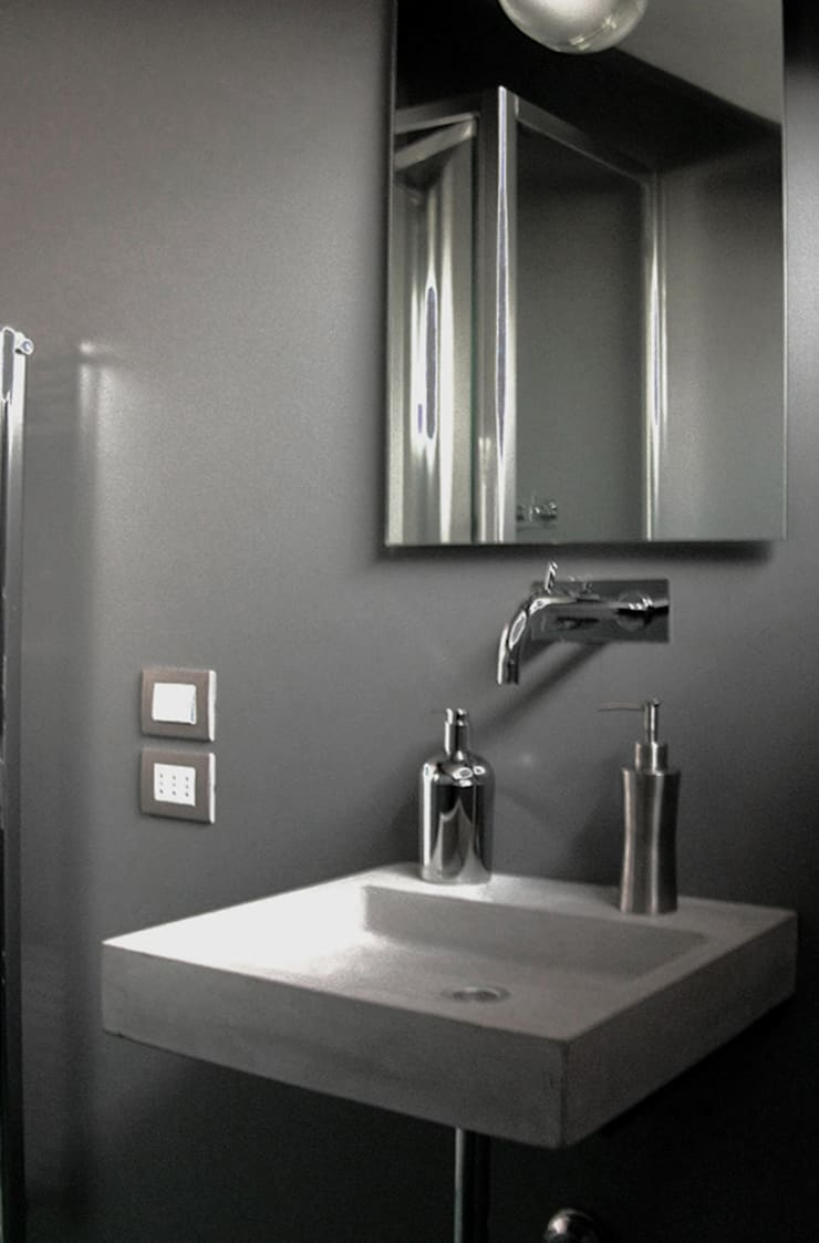 porta nuova: Bagno in stile  di andrea borri architetti, Moderno