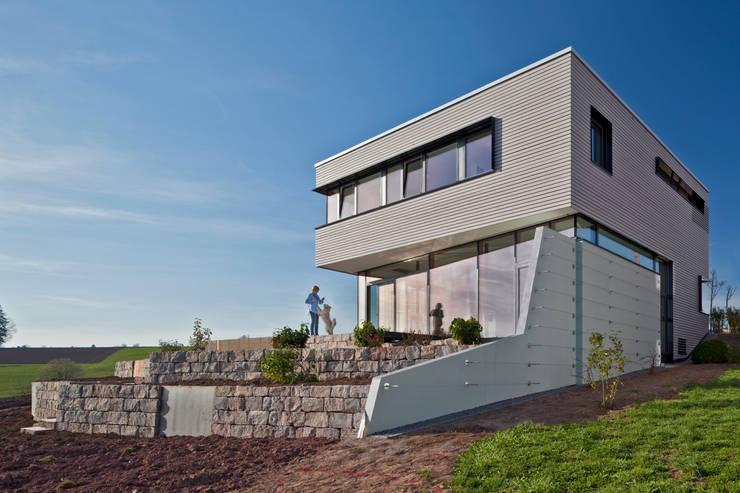 Ansicht und Aussenterrassen:  Häuser von Kauffmann Theilig & Partner, Freie Architekten BDA