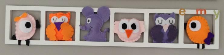 Cadres décoratifs uniques et personnalisés pour chambre d'enfant et bébé!: Murs & Sols de style  par Bichat & Friends
