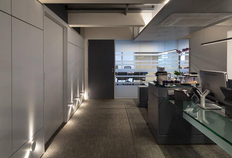 Rommanel: Escritórios  por MW Arquitetura
