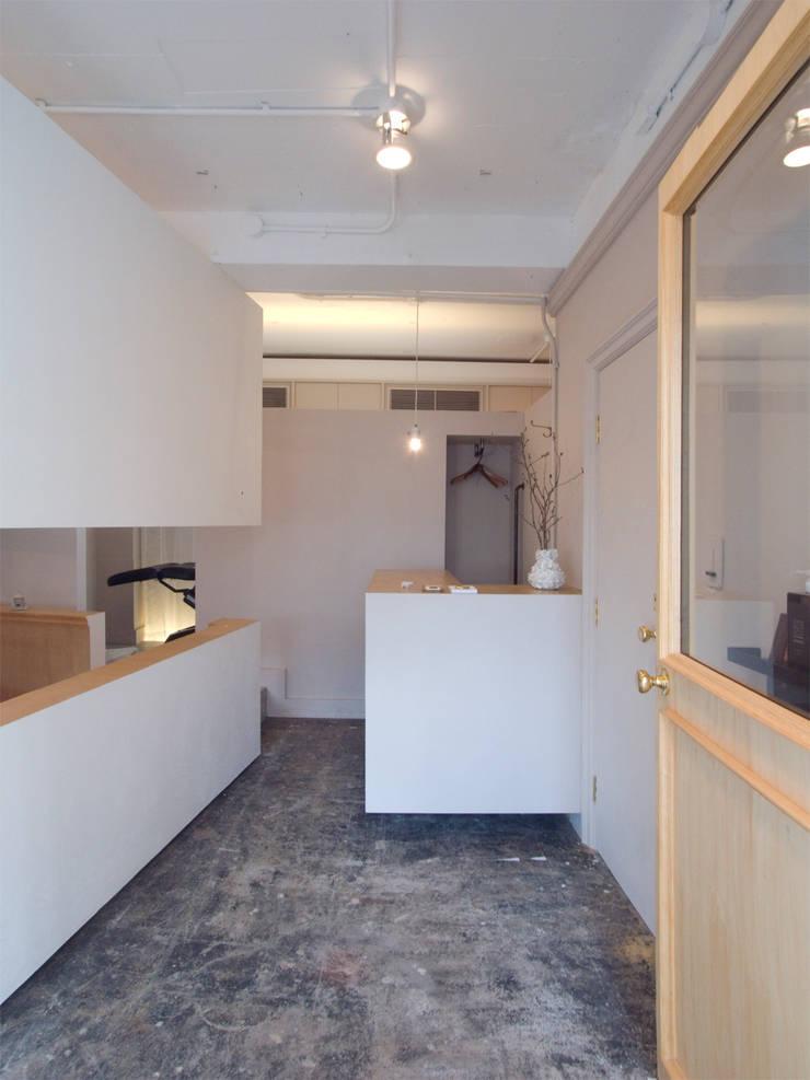 JEFF: 一級建築士事務所ageha.が手掛けたオフィススペース&店です。