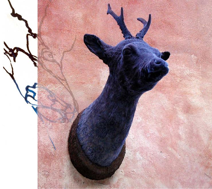 hunting trophies 'Deerest':  Kunst  door Van Dessel en Joosten