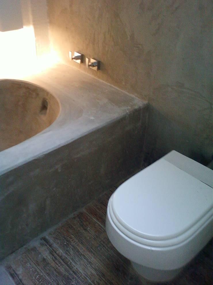 banheiro da suíte: Banheiros  por Margareth Salles,Moderno