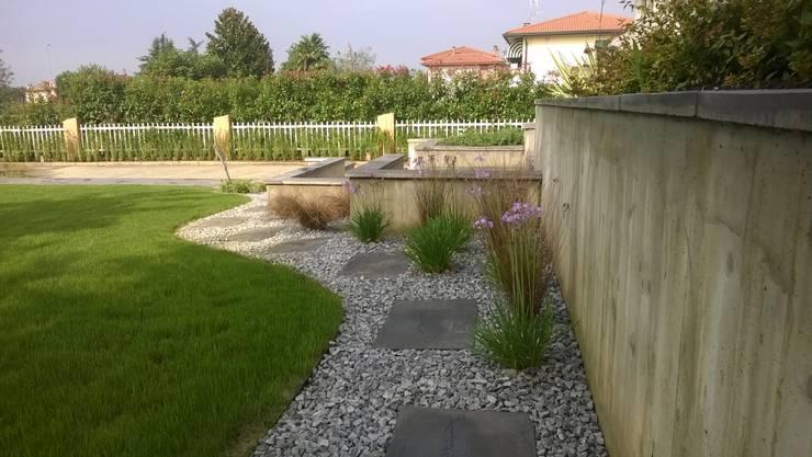 Jardines de estilo  por giardini di lucrezia