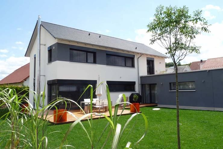 BV Seibold: moderne Häuser von Architekturbüro Arndt