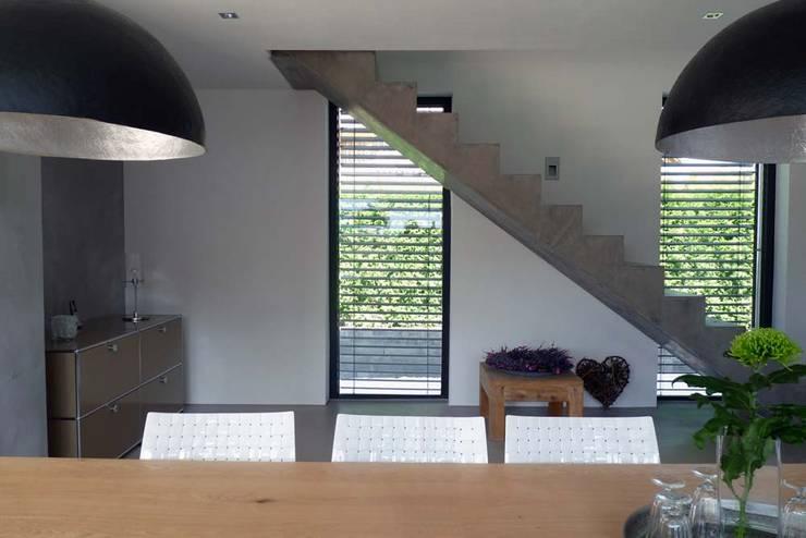 BV Seibold: moderne Esszimmer von Architekturbüro Arndt