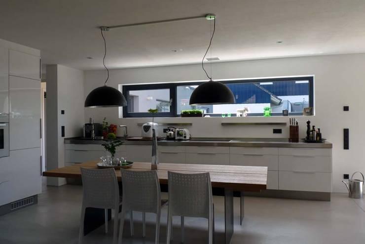 BV Seibold: moderne Küche von Architekturbüro Arndt
