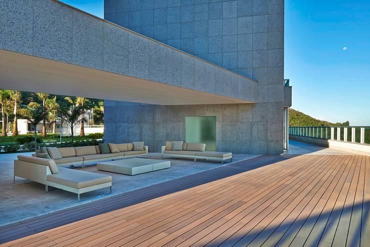 Ed. Residencial Green Garden: Spas  por Alessandra Contigli Arquitetura e Interiores