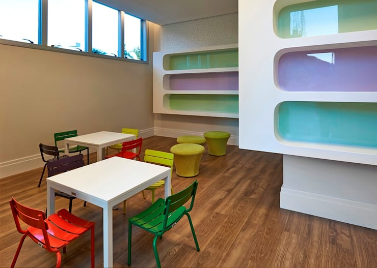 Nursery/kid's room by Alessandra Contigli Arquitetura e Interiores