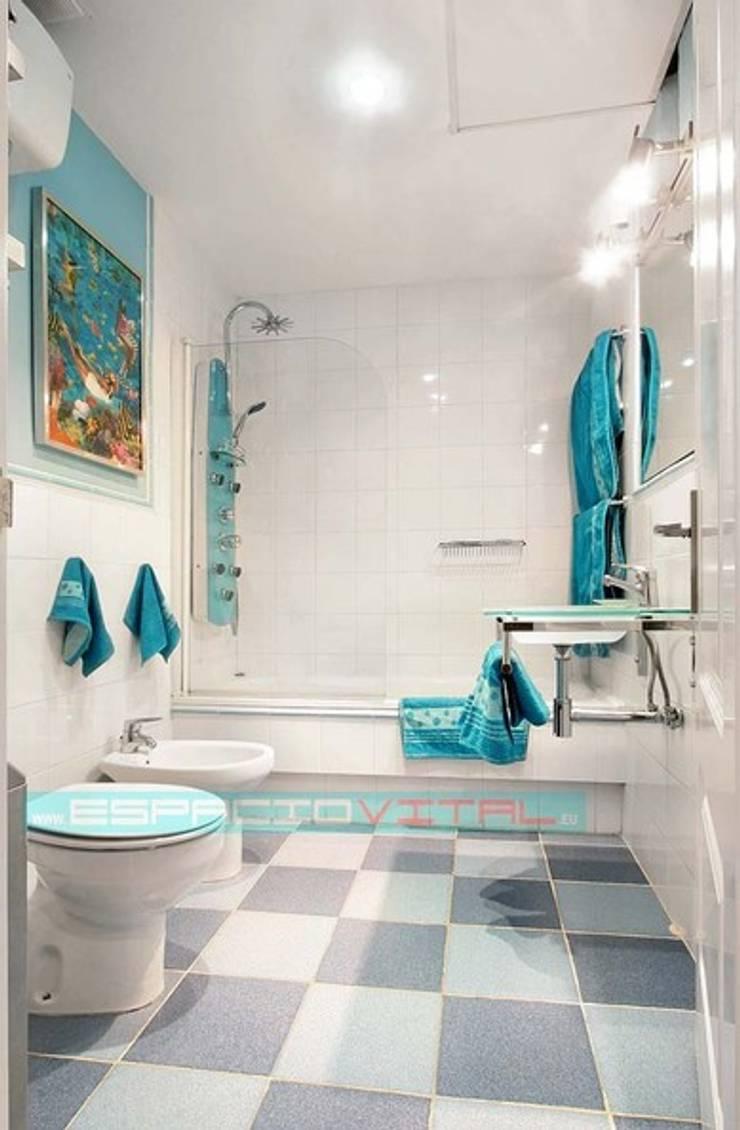 Baños de estilo moderno de Javier Zamorano Cruz Moderno