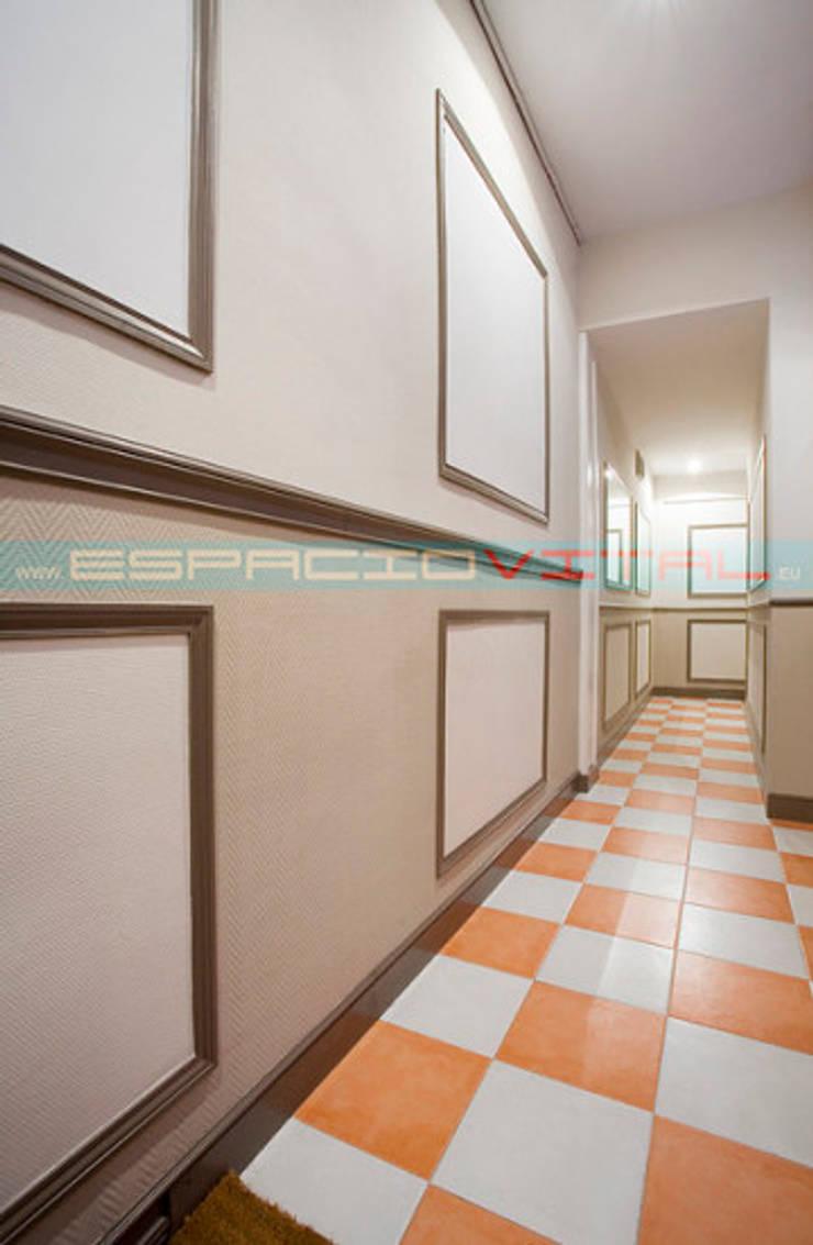 Pasillos, vestíbulos y escaleras de estilo moderno de Javier Zamorano Cruz Moderno