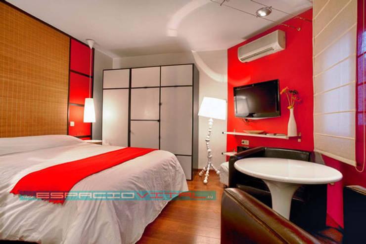 Estudio Zen: Dormitorios de estilo asiático de Javier Zamorano Cruz