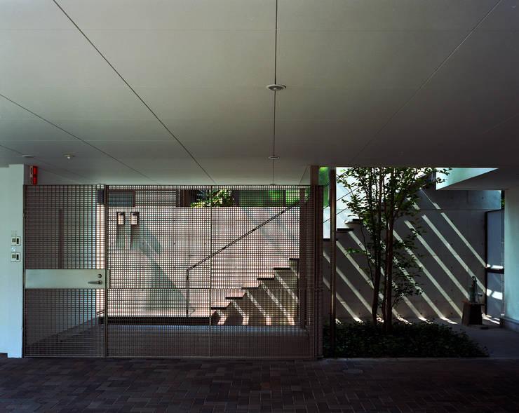 フラッツ5+1: 西島正樹/プライム一級建築士事務所 が手掛けたガレージです。,オリジナル