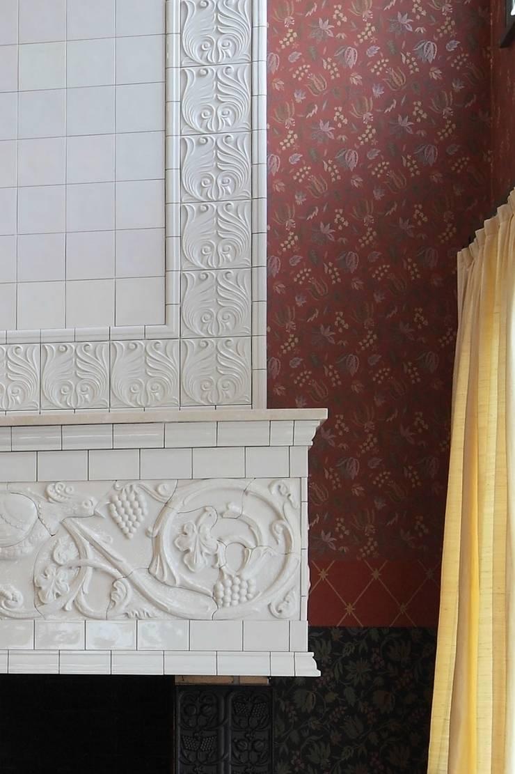 Подмосковный загородный дом для отдыха большой семьи и приема гостей  : Стены и пол в . Автор – AlenaPolyakova.com