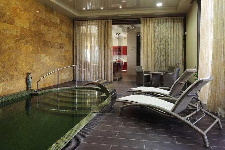 Подмосковный загородный дом для отдыха большой семьи и приема гостей  : Бассейн в . Автор – AlenaPolyakova.com