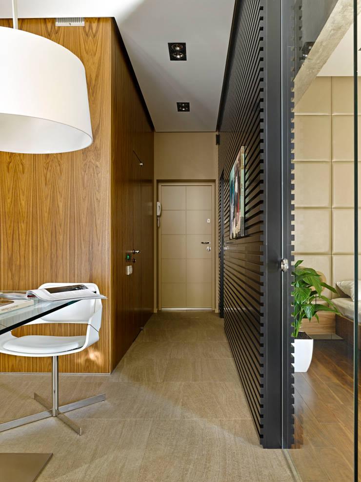 DEEP HOUSE: Коридор и прихожая в . Автор – Max Kasymov Interior/Design