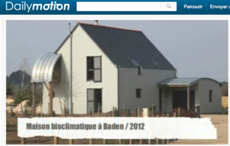 Maisons bioclimatiques & Architecture organique en Bretagne - France: Maisons de style  par Patrice Bideau a.typique