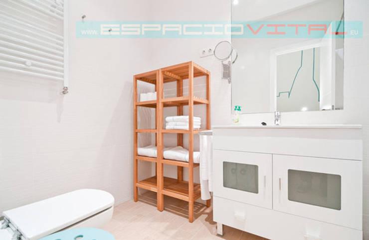 Apartamento SkyLine: Baños de estilo  de Javier Zamorano Cruz