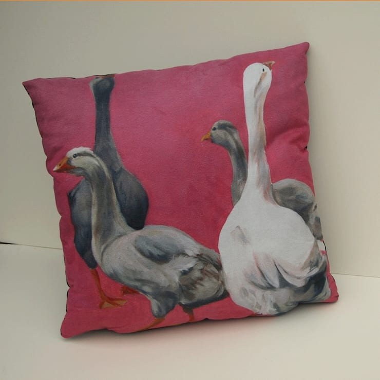 'Confused geese' cushion:  Living room by Thuline, Studio-Gallery