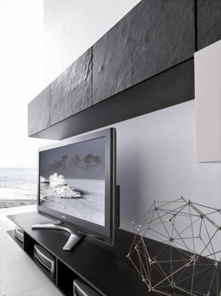 Каменный шпон в отделки мебели ! : Гостиная в . Автор – ООО Семья