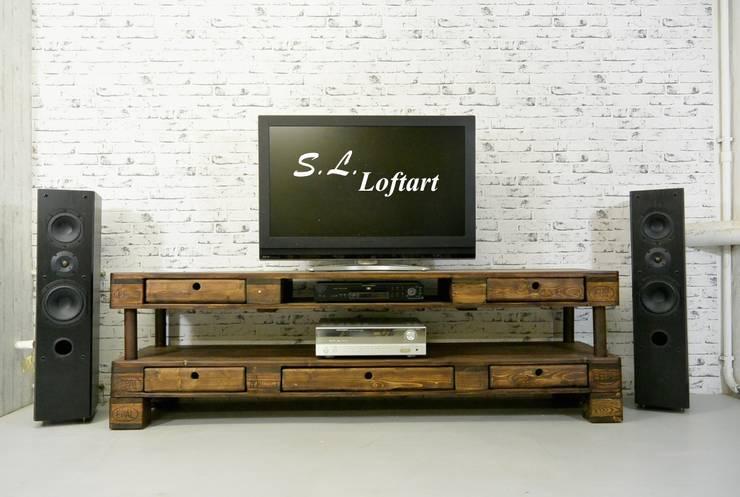 Sala multimedia de estilo  por S.L. Loftart