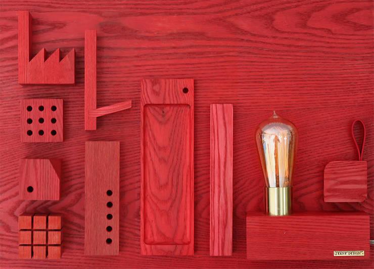 Wooden Accessory: TANT DESIGN_땅뜨디자인의  거실